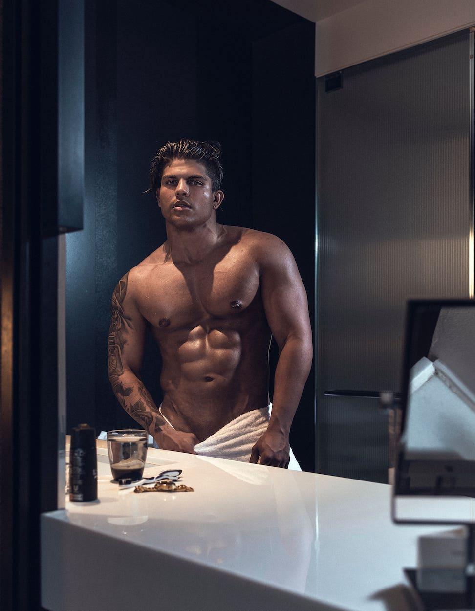 Topless Gavin