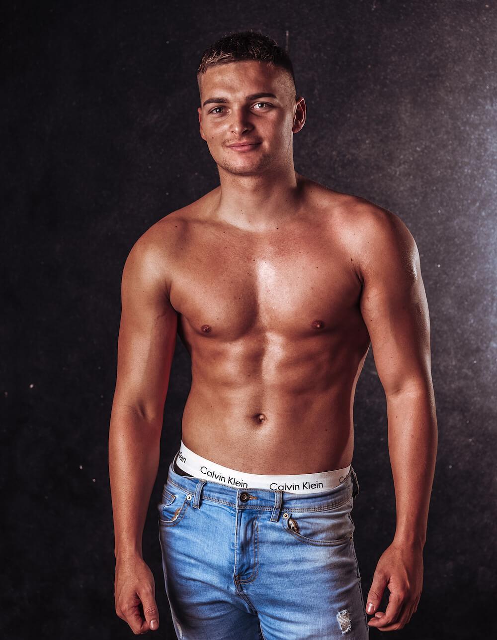 Topless Waiter Henri